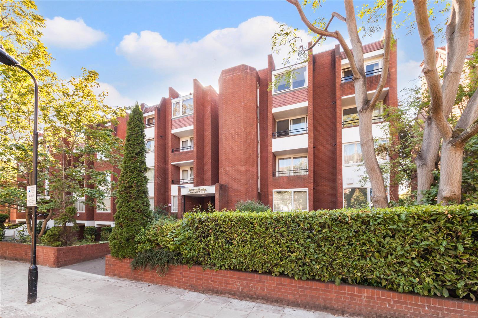2 Bedrooms Flat for sale in Maresfield Gardens, Hampstead, NW3
